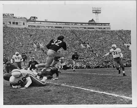 Victor Janowicz, of Ohio State, squares up for a tackle. He was drafted in 1952